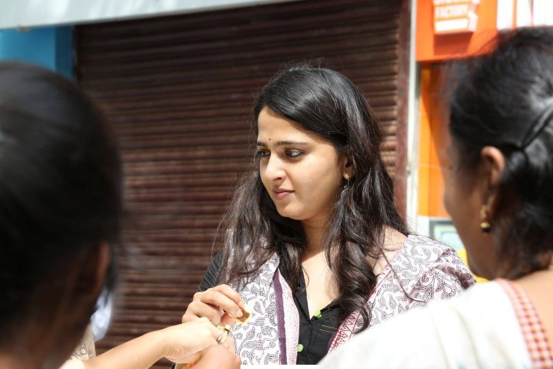 Anushka Shetty,actress Anushka Shetty,Anushka Shetty at Baahubali Success Meet,Baahubali Success Meet,Baahubali,Anushka Shetty Latest Pics,Anushka Shetty Latest images,Anushka Shetty Latest photos,Anushka Shetty Latest stills,Anushka Shetty Latest picture