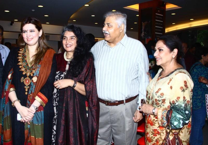 Amitabh Bachchan,Amitabh Bachchan launches 'Gabbar' Amjad Khan's son Shadaab's book,'Gabbar' Amjad Khan's son Shadaab's book,Shadaab's book,Actor Amitabh Bachchan,Amitabh Bachchan latest pics,Amitabh Bachchan latest images,Amitabh Bachchan latest photos,A