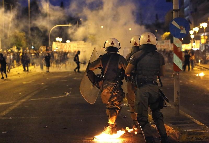 Protests Turn Violent in Greece,Protests in Greece,Anti-austerity movement in Greece,Greece protests turn violent,bailout deal,amid protests,anti-establishment protesters