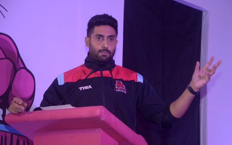 Abhishek Bachchan,Abhishek Bachchan with Jaipur Pink Panthers Kabaddi team press meet,Kabaddi team press meet,Jaipur Pink Panthers,actor Abhishek Bachchan,Abhishek Bachchan pics,Abhishek Bachchan images,Abhishek Bachchan photos,Abhishek Bachchan stills,Ab