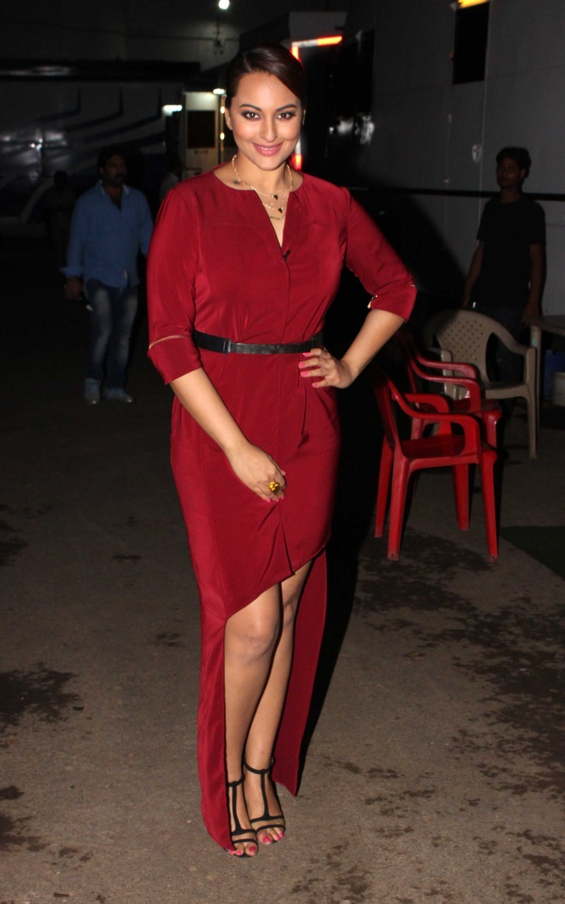 Sonakshi Sinha,actress Sonakshi Sinha,Sonakshi Sinha Latest Pics,Sonakshi Sinha Latest images,Sonakshi Sinha Latest photos,Sonakshi Sinha Latest stills,Sonakshi Sinha Latest pictures