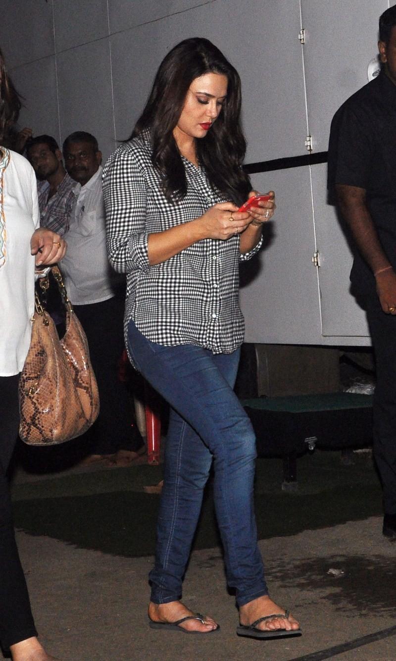 Preity Zinta,Sonu Sood,Preity Zinta and Sonu Sood were spotted at Film City in Mumbai?,Preity Zinta and Sonu Sood,Film City in Mumbai?,actress Preity Zinta,Preity Zinta latest pics,Preity Zinta latest images,Preity Zinta latest photos,Preity Zinta latest
