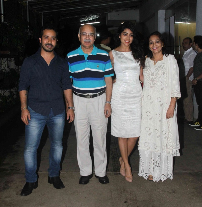 Shriya Saran,Shriya Saran at Drishyam Special Screening,Drishyam Special Screening,Drishyam,celebs at Drishyam Special Screening,Drishyam Special Screening pics,Drishyam Special Screening images,Drishyam Special Screening photos,Drishyam Special Screening