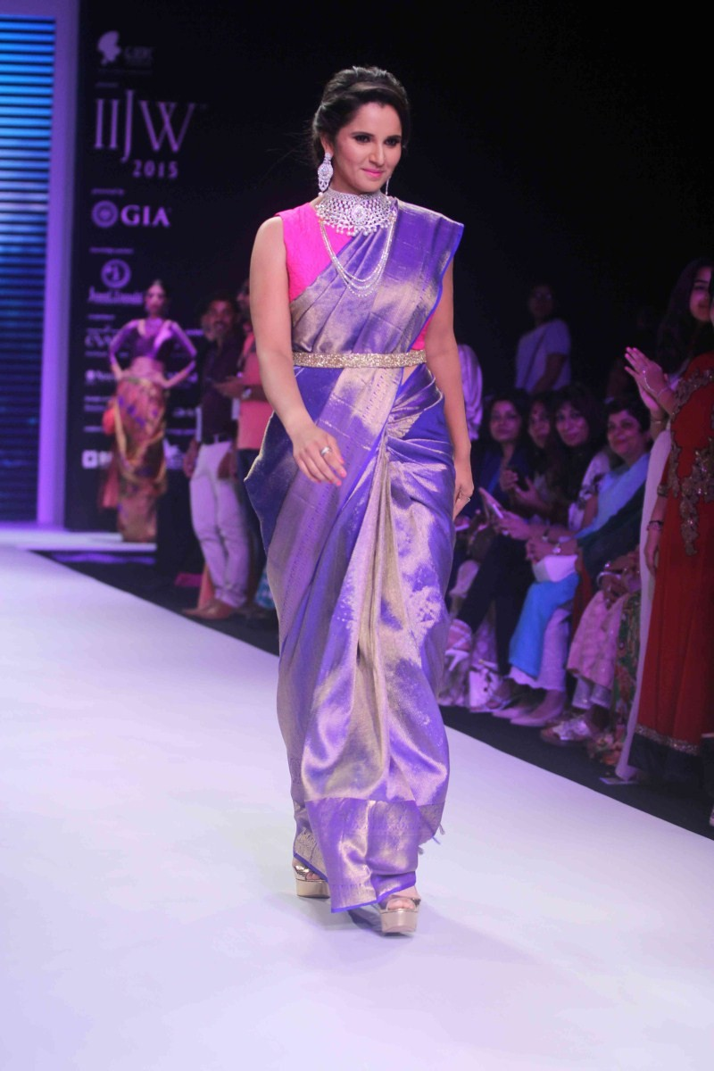 Sania Mirza,Sania Mirza walks the ramp at India International Jewellery Week,Sania Mirza at India International Jewellery Week,IIJW 2015,IIJW,Sania Mirza at IIJW,Sania Mirza latest pics,Sania Mirza latest images,Sania Mirza latest photos,Sania Mirza lates