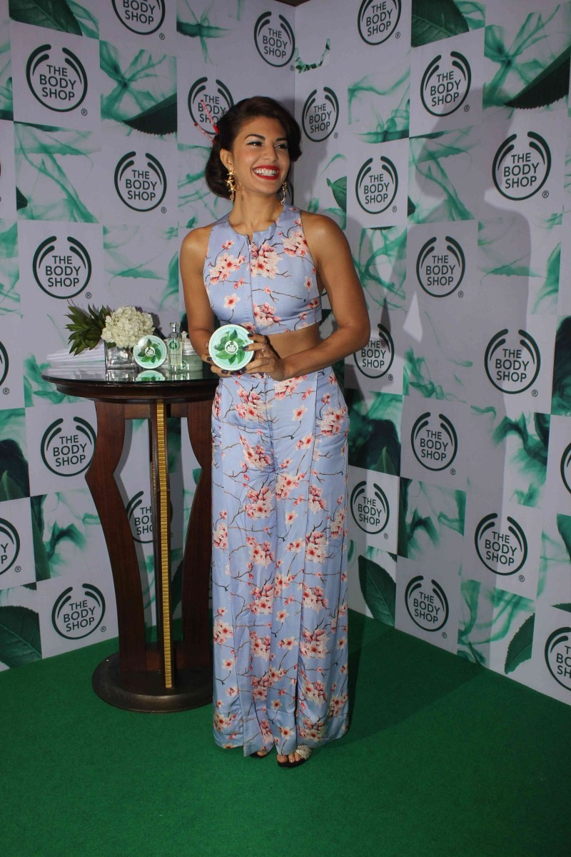 Jacqueline Fernandez,actress Jacqueline Fernandez,Jacqueline Fernandez Launches The New Body Shop,The New Body Shop,Jacqueline Fernandez latest pics,Jacqueline Fernandez latest images