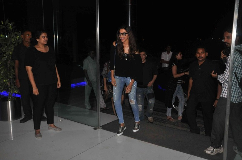 Ranbir Kapoor,Deepika Padukone,Ranbir Kapoor and Deepika Padukone,Tamasha,Tamasha Wrap up Party,Ranbir Kapoor,Deepika Padukone at Tamasha Wrap up Party,Ranbir Kapoor,Deepika Padukone