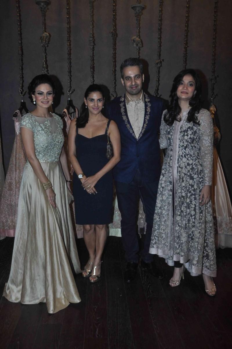 Shyamal,Shyamal Bhumika,Esha Gupta,Bhumika Shodhan,Wedding Costumes,Esha Gupta,Shyamal and Bhumika unveiled their New Wedding Costumes