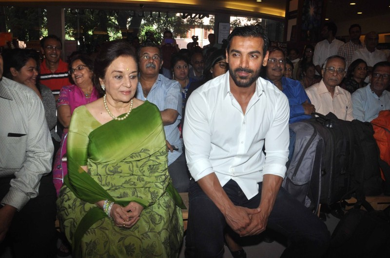John Abraham,Asha Parekh,Chandrakant Patel's book 4th Dimension Architecture,John Abraham and Asha Parekh,John Abraham latest pics,John Abraham latest images,John Abraham latest photos,John Abraham latest pictures,John Abraham latest stills,John Abra
