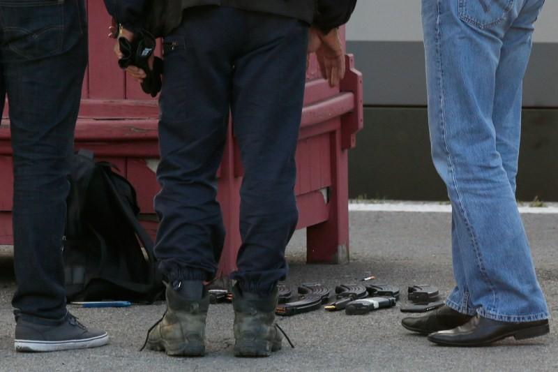 Gunman foiled on France Train,France train shooting,France train attack,Gunman,Francois Hollande
