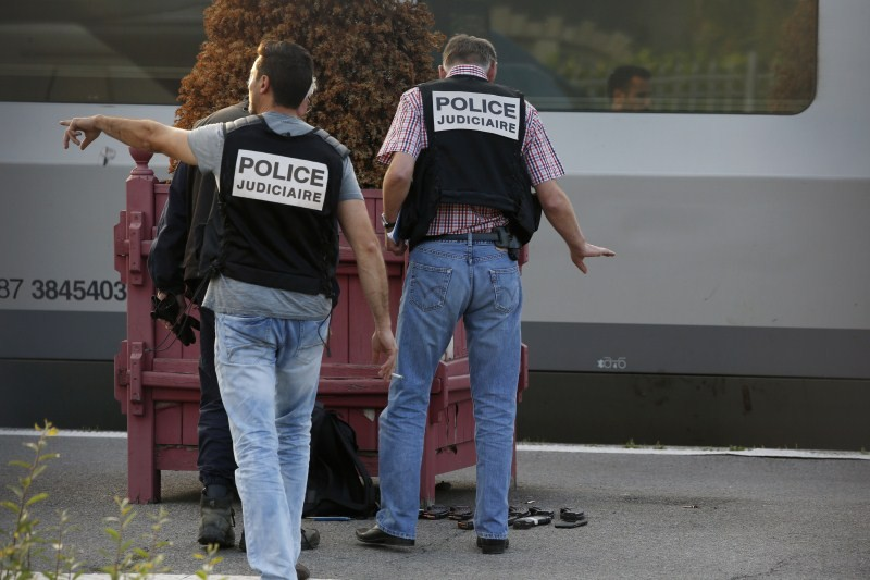 Gunman foiled on France Train,France train shooting,France train attack,Gunman,Francois Hollande