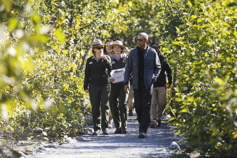 Obama,President Obama in Alaska,Obama in Alaska,US President Barack Obama,US President,Obama latest pics,Obama latest images,Obama latest photos,Obama latest stills,Obama latest pictures