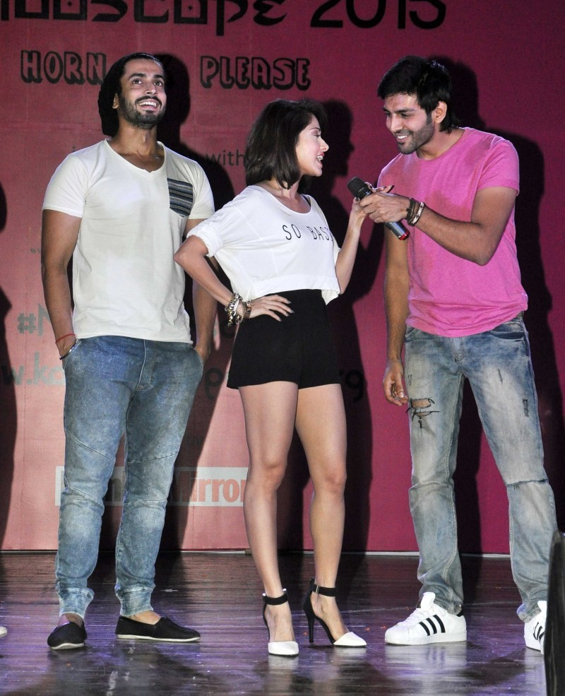Pyar Ka Punchnama 2,Pyar Ka Punchnama 2 Movie Promotion,Pyar Ka Punchnama 2 Movie Promotion at Sophia Collage,bollywood movie Pyar Ka Punchnama 2