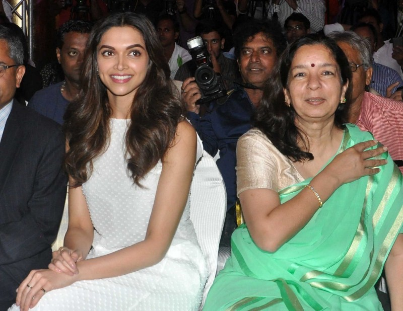 Deepika Padukone,Prepaid Wallet Mobile App Lime by Axis Bank,Prepaid Wallet Mobile App,Axis Bank,Axis Bank launches LIME App,LIME App,actress Deepika Padukone,Deepika Padukone latest images,Deepika Padukone latest photos,Deepika Padukone latest stills,Dee