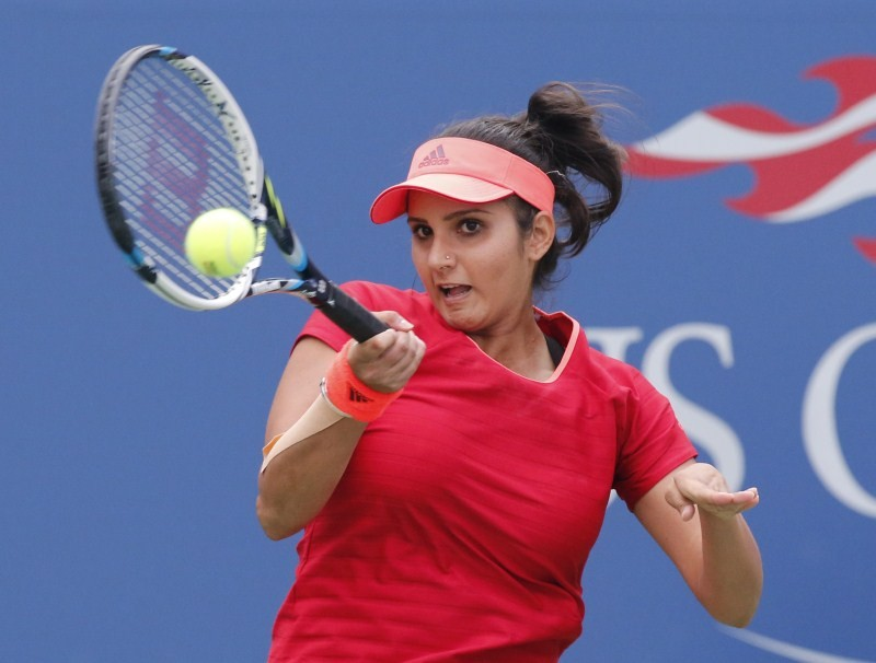Sania Mirza,Martina Hingis,Sania Mirza and Martina Hingis,US Open womens doubles title,US Open 2015,Casey Dellacqua,Yaroslava Shvedova,US Open 2015 final,US Open Championships
