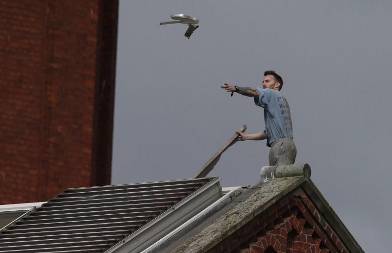 Stuart Horner,Prison Roof Protest,Roof Protest,killer Stuart Horner,Manchester,Strangeways
