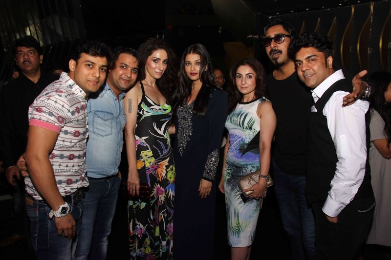 Aishwarya Rai Bachchan,Aishwarya Rai,Jazbaa wrap party,Jazbaa,Aishwarya Rai at Jazbaa wrap party,Aishwarya Rai latest pics,Aishwarya Rai latest images,Aishwarya Rai latest photos,Aishwarya Rai latest stills,Aishwarya Rai latest pictures