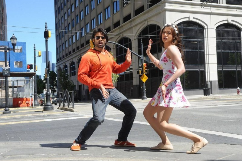 Subramanyam For Sale,telugu movie Subramanyam For Sale,Sai Dharam Tej,Regina Cassandra,Harish Shankar,Dil Raju,Subramanyam For Sale movie stills,Subramanyam For Sale movie pics,Subramanyam For Sale movie images,Subramanyam For Sale movie photos,Subramanya
