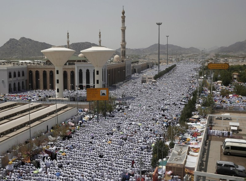 Hajj pilgrimage,Mecca's Grand Mosque,Mecca Mosque,bakrid,eid-al-adha,hajj,Mount Mercy,prayers in Arafat