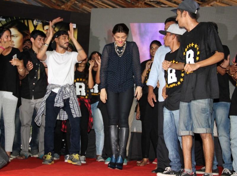 Aishwarya Rai Bachchan,Aishwarya Rai,Sanjay Gupta,Jazbaa,Jazbaa movie promotion,Vividh Festival