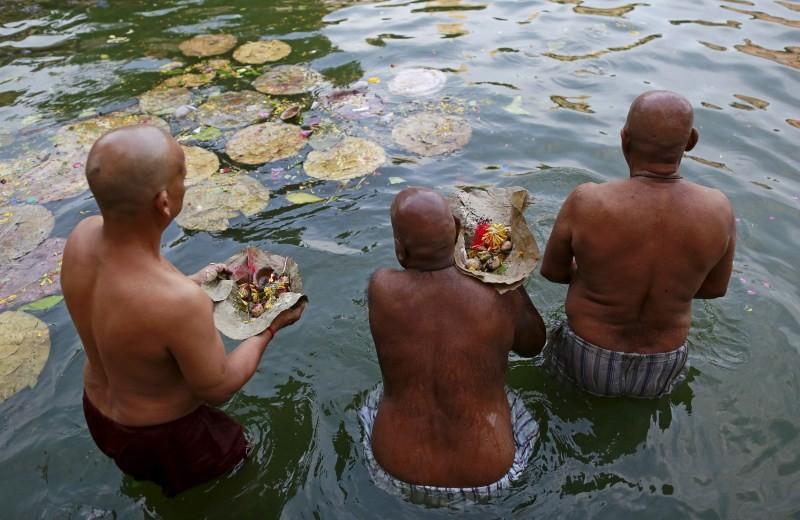 Mahalaya Amavasya,Shraadh,Pitru Paksha,Mahalaya Amavasya celebration,Mahalaya Amavasya 2015,Shubho Mahalaya