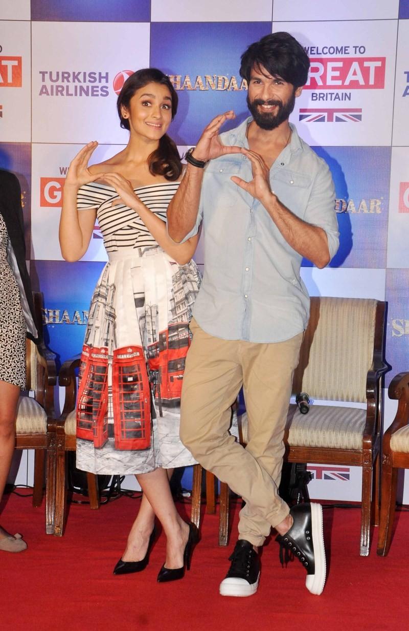 Shaandaar,Shahid Kapoor,Alia Bhatt,Shahid Kapoor and Alia Bhatt,bollywood movie Shaandaar,Shaandaar movie promotion,Tourism In Britain