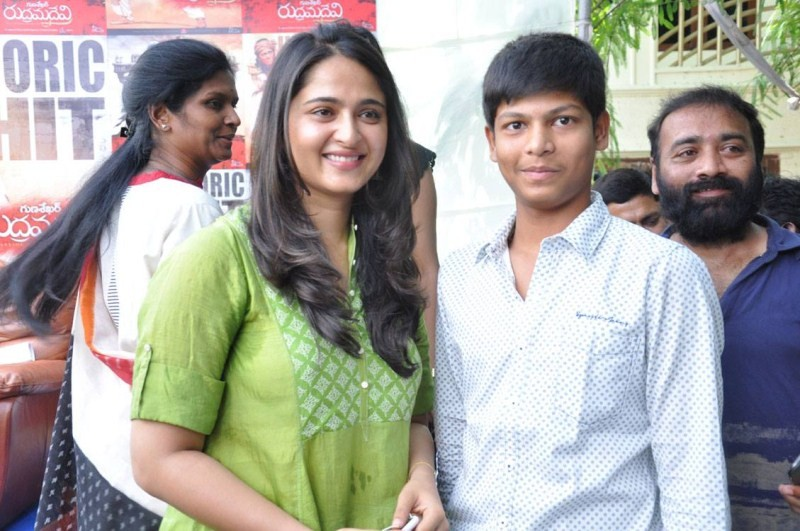 Rudhramadevi,Rudhramadevi success meet,Rudhramadevi success,Dasari Narayana Rao,Anushka,anushka shetty,director Guna Sekhar,Guna Sekhar,Rudhramadevi success meet pics,Rudhramadevi success meet images,Rudhramadevi success meet photos,Rudhramadevi success m