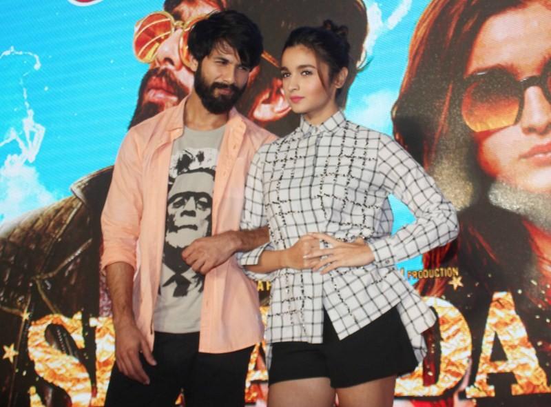 Raita Phail Gaya,Shahid Kapoor,Alia Bhatt,Shahid Kapoor and Alia Bhatt,Shaandaar new song Raita Phail Gaya,Shaandaar,Raita Phail Gaya song launch