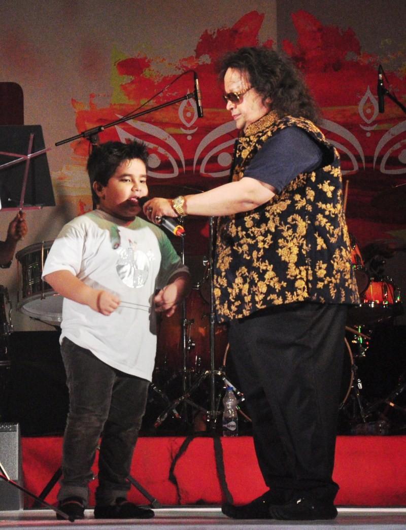 Bappi Lahiri,music composer Bappi Lahiri,Durga Puja,Durga Puja celebration,Durga Puja 2015