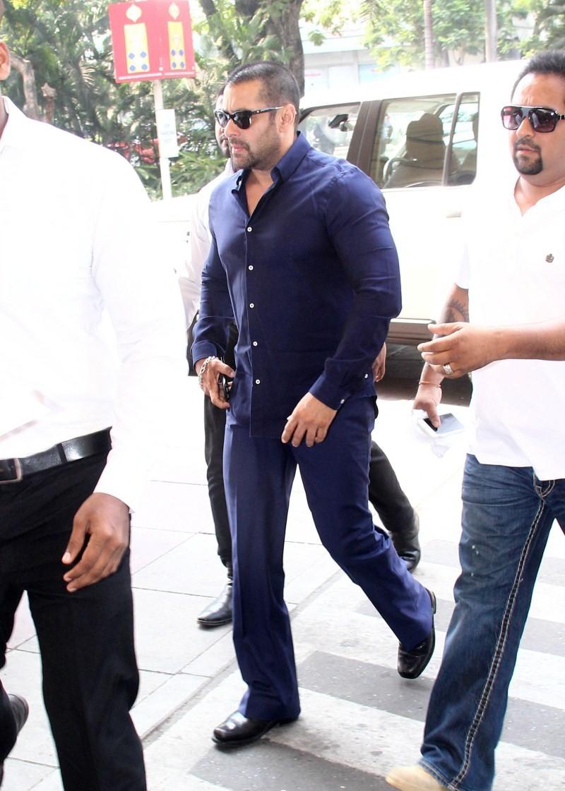 Salman Khan,Sonam Kapoor,Prem Ratan Dhan Payo,Prem Ratan Dhan Payo movie promotion,Salman Khan and Sonam Kapoor