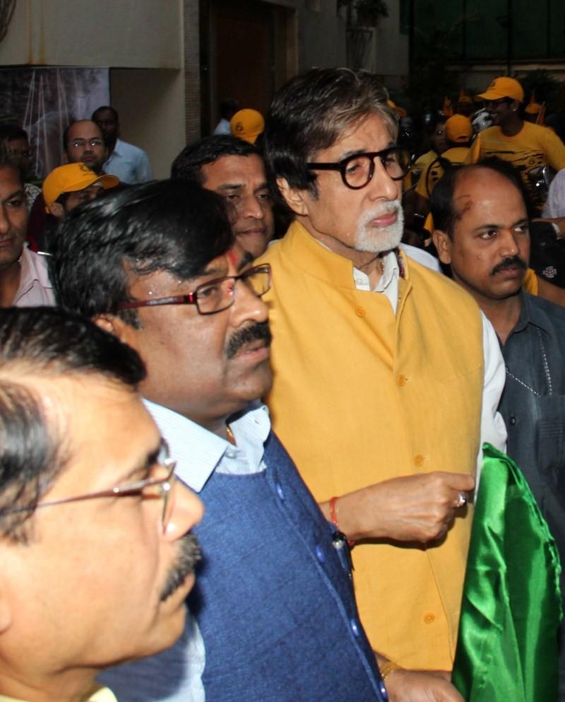 Amitabh Bachchan,bike rally,Amitabh Bachchan,Sudhir Mungantiwar Flag Off Tiger Conservation Rally,Tiger Conservation Rally,Save Tiger
