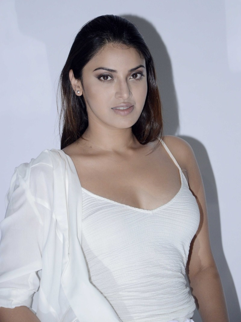 Anushka Ranjan,actress Anushka Ranjan,Anushka Ranjan pics,Anushka Ranjan images,Anushka Ranjan photos,Anushka Ranjan stills,Anushka Ranjan pictures,Anushka Ranjan latest pictures,Anushka Ranjan latest pics,Anushka Ranjan latest images,Anushka Ranjan lates