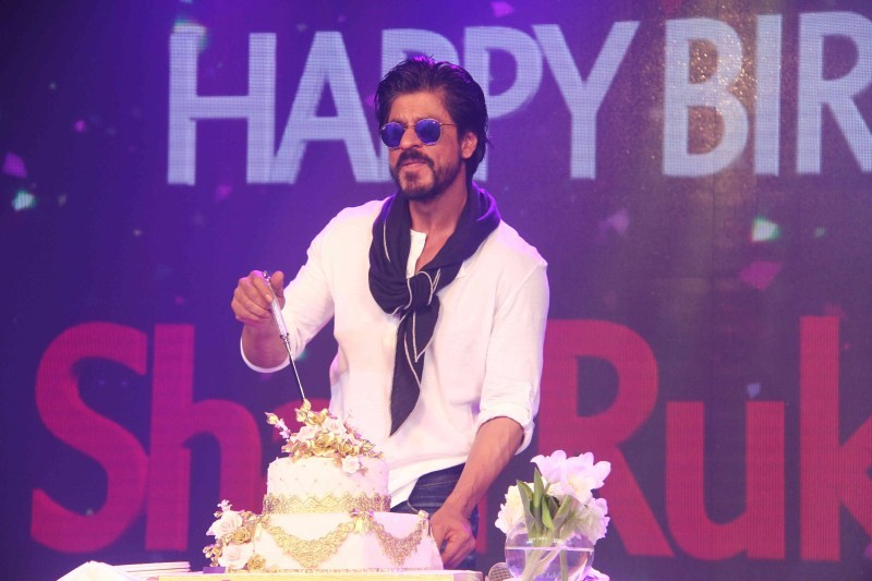 Shah Rukh Khan,SRK,Shah Rukh Khan celebrates 50th birthday,SRK celebrates 50th birthday,Shahrukh Khan,SRK celebrates 50th birthday with media
