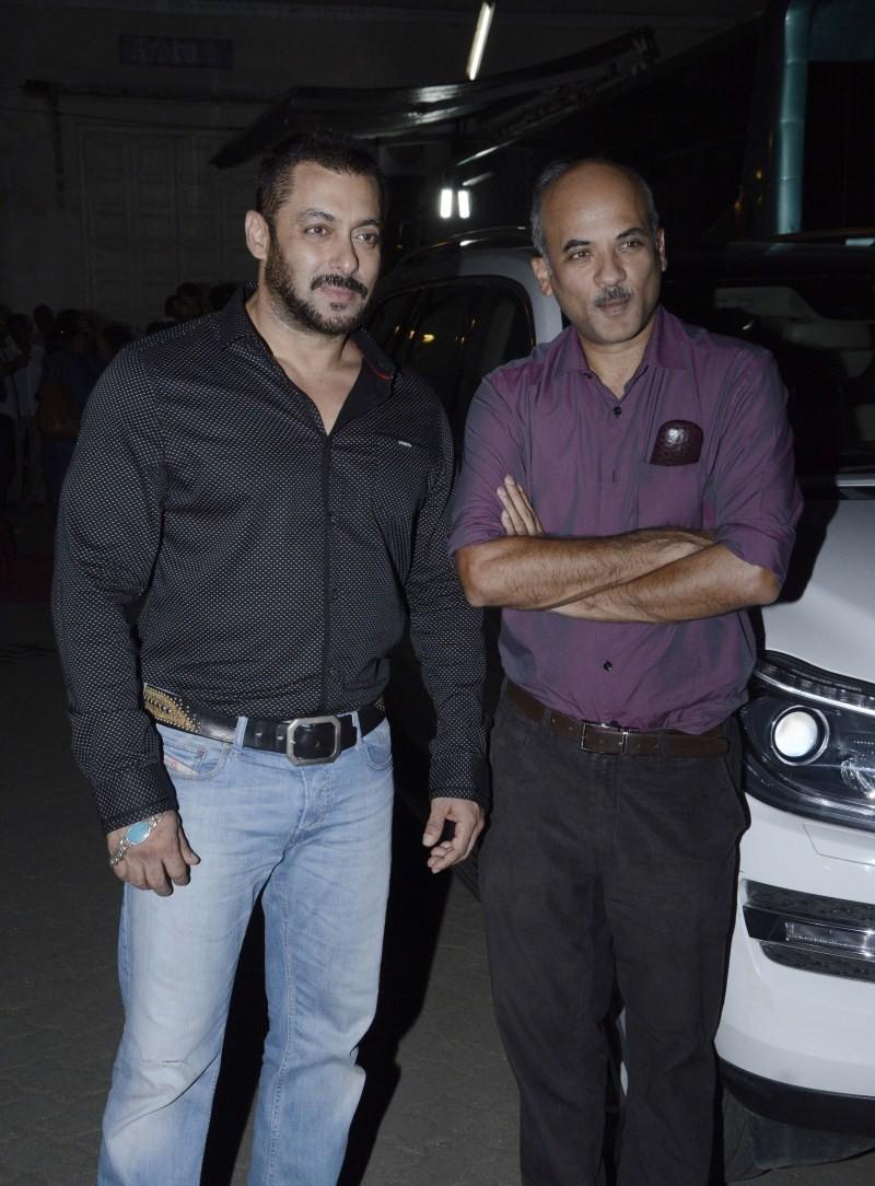 Salman Khan,Sonam Kapoor,Salman Khan and Sonam Kapoor,Salman Khan spotted at Mehboob Studio,Sonam Kapoor spotted at Mehboob Studio,Prem Ratan Dhan Payo
