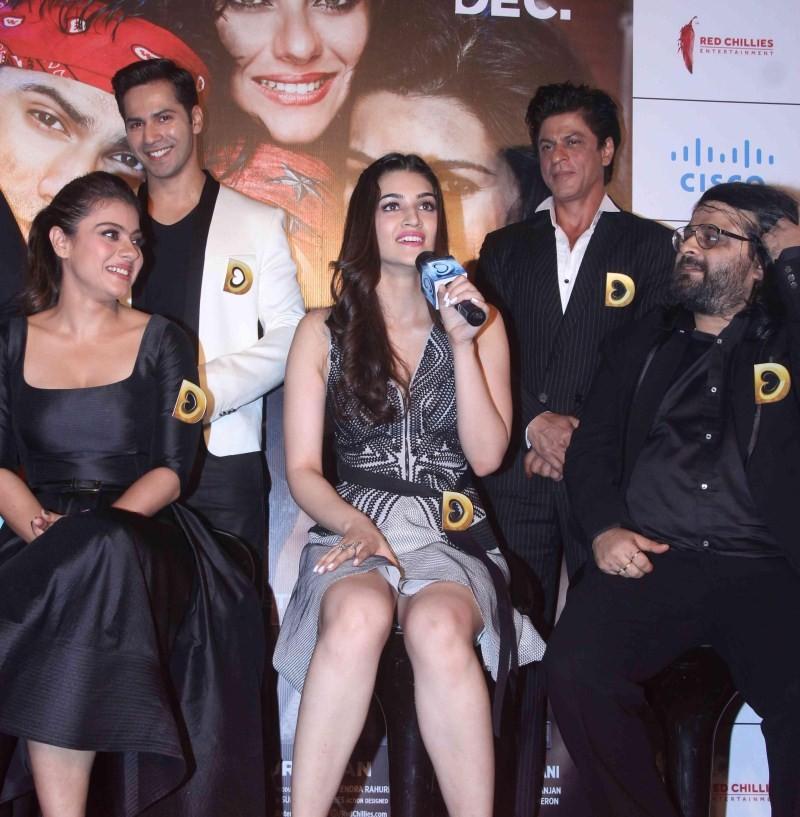 Shah Rukh Khan,Kajol,Varun Dhawan,Kriti Sanon,Shah Rukh Khan at Dilwale Trailer Launch,Kajol at Dilwale Trailer Launch,Varun Dhawan at Dilwale Trailer Launch,Kriti Sanon at Dilwale Trailer Launch,Dilwale Trailer Launch,Dilwale Trailer Launch pics,Dilwale
