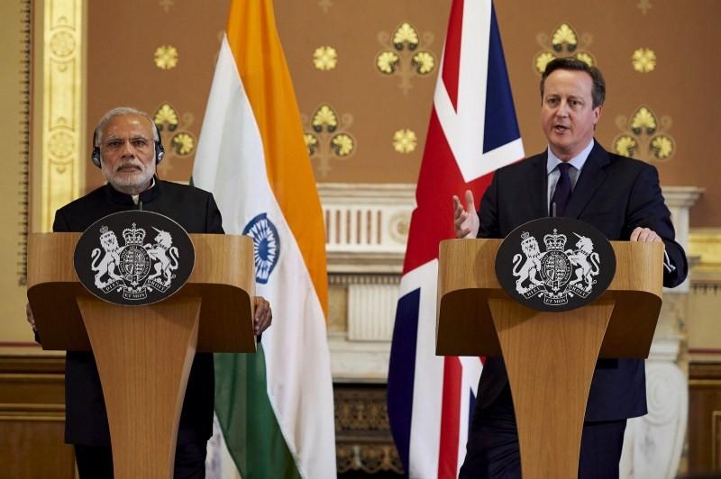 Narendra Modi,Narendra Modi UK Visit,Narendra Modi UK Visit Day 1,Narendra Modi in UK,Narendra Modi addesses,David Cameron,modi and David Cameron,Narendra Modi and David Cameron
