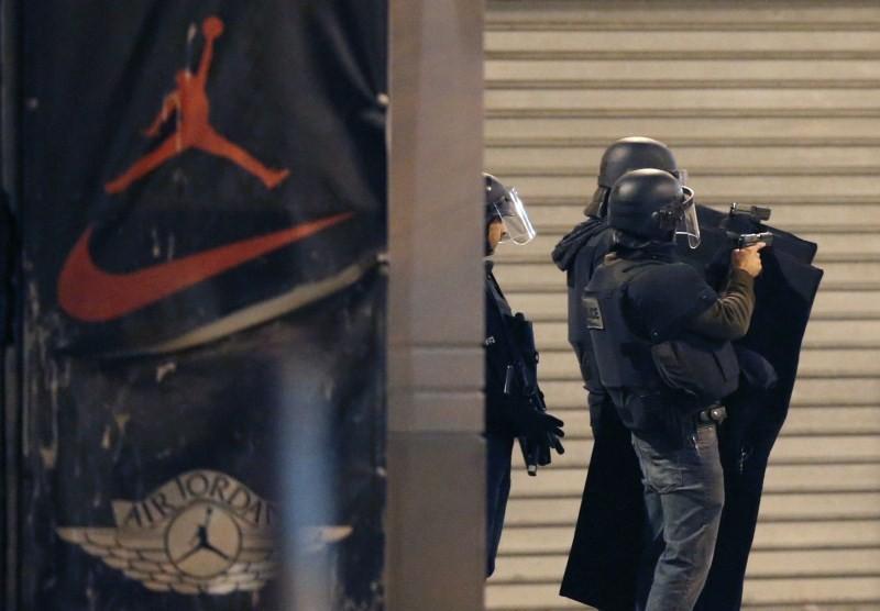 Paris Attacks,Gunfire erupts in Saint-Denis,Gunfire in Saint-Denis,Gunfire at Saint-Denis,Saint-Denis,bomb attacks,Gunfire erupted,north Paris