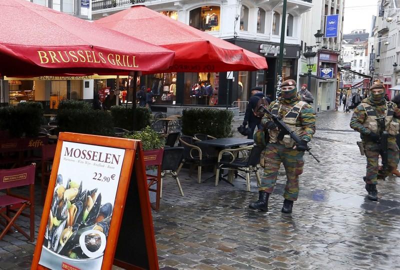 Brussels Terror Alert,Terror Alert,Paris attacks,Paris terror attack,Soldiers patrolled,Brussels security