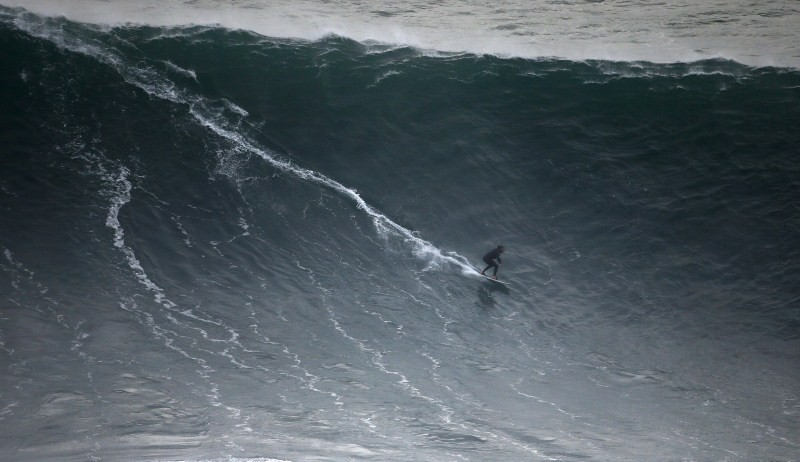 Monster Waves at Nazare,Monster Waves at Nazare in Portugal,Monster Waves,wave surfing