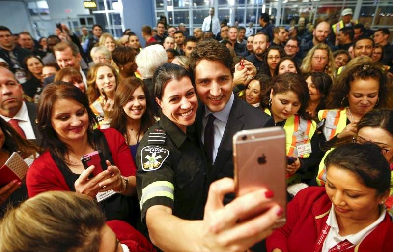Canada Welcomes Syrian Refugees,Syrian Refugees,Canada prime minister,Canada prime minister welcomes wave of Syrian refugees,Justin Trudeau