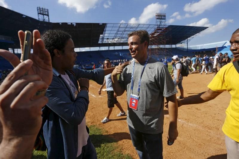 Baseball diplomacy,Baseball diplomacy in Cuba,Cuban baseball,Major League Baseball,Baseball goodwill tour