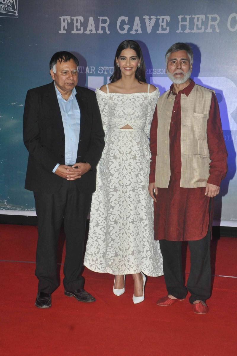 Neerja,Neerja trailer,Neerja trailer launch,Sonam Kapoor,Sonam Kapoor at Neerja trailer launch,Sonam Kapoor at Neerja trailer,Neerja trailer launch pics,Neerja trailer launch images,Neerja trailer launch photos,Neerja trailer launch stills,Neerja trailer