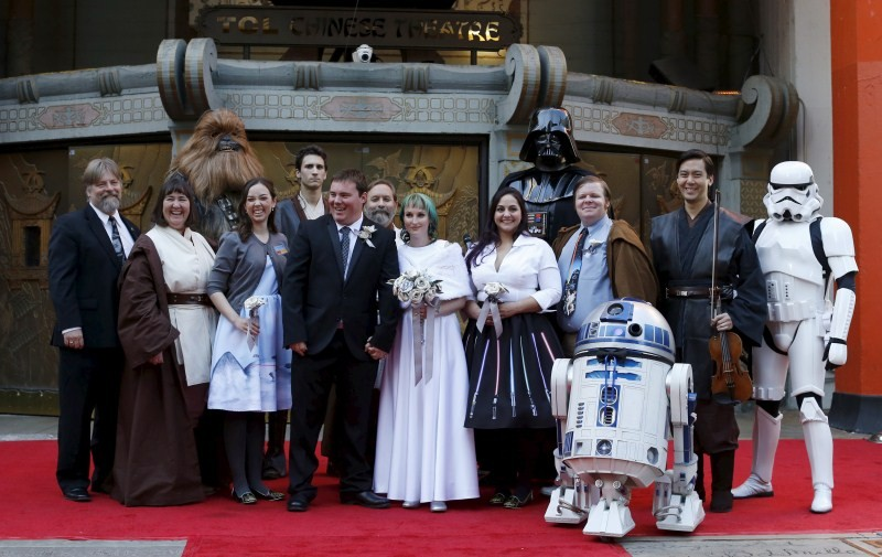 Star Wars: The Force Awakens,Star Wars,Couple Marries at the TCL Chinese Theatre,Australian couple