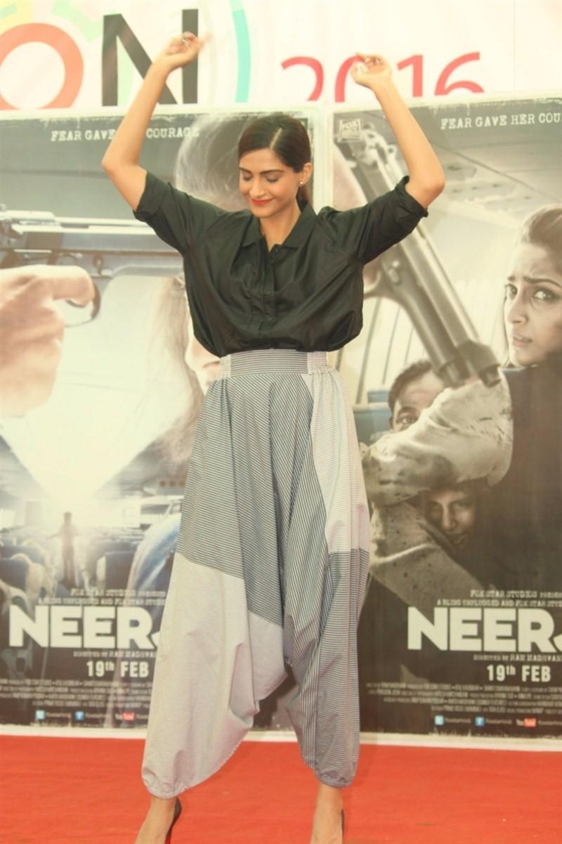 Sonam Kapoor,actress Sonam Kapoor,bollywood actress Sonam Kapoor,Neerja Bhanot,St. Xavier's College