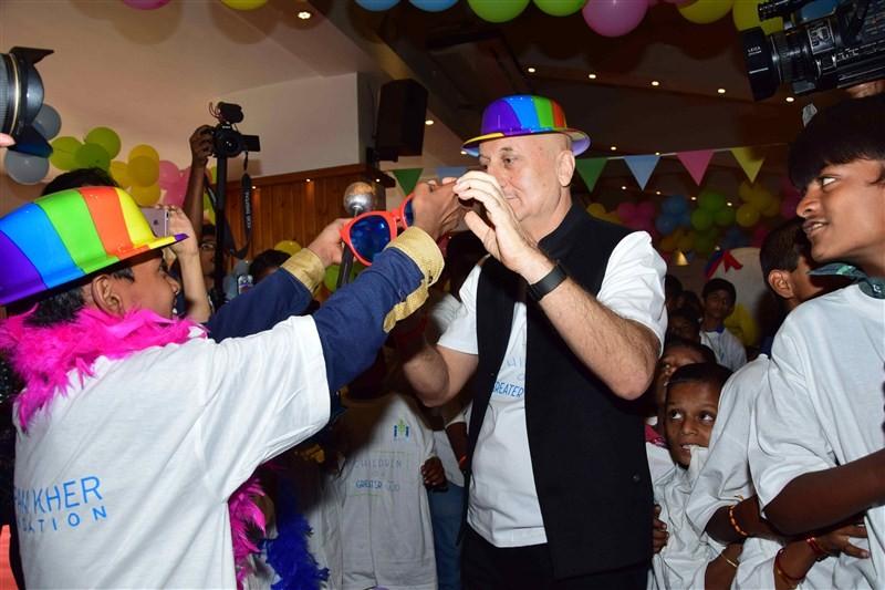 Anupam Kher,actor Anupam Kher,Anupam Kher celebrates Padma Bhushan,Anupam Kher celebrates Padma Bhushan with specially-abled kids,Anupam Kher celebrates with specially-abled kids,specially-abled kids
