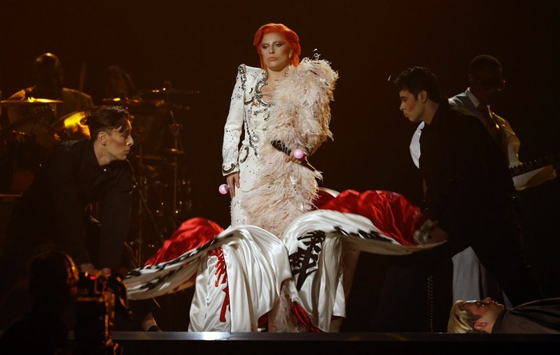 Lady Gaga,singer Lady Gaga,Lady Gaga pays tribute to David Bowie at Grammy Awards,Lady Gaga pays tribute to David Bowie,David Bowie,tribute to David Bowie,Grammy Awards,Grammy Awards 2016,58th Grammy Awards,Grammy Awards pics,Grammy Awards images,Grammy A