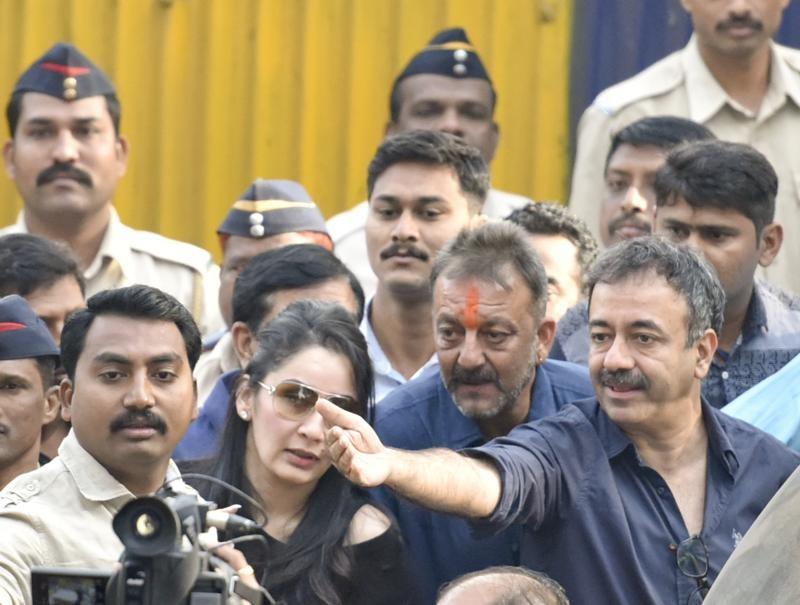 Sanjay Dutt,Sanjay Dutt spent his day post release,Sanjay Dutt post release day,Sanjay Dutt out of Jail,Actor Sanjay Dutt,sanjay dutt release,sanjay dutt jail,Sanjay dutt upcoming movie,sanjay dutt jail term,sanjay dutt walks free