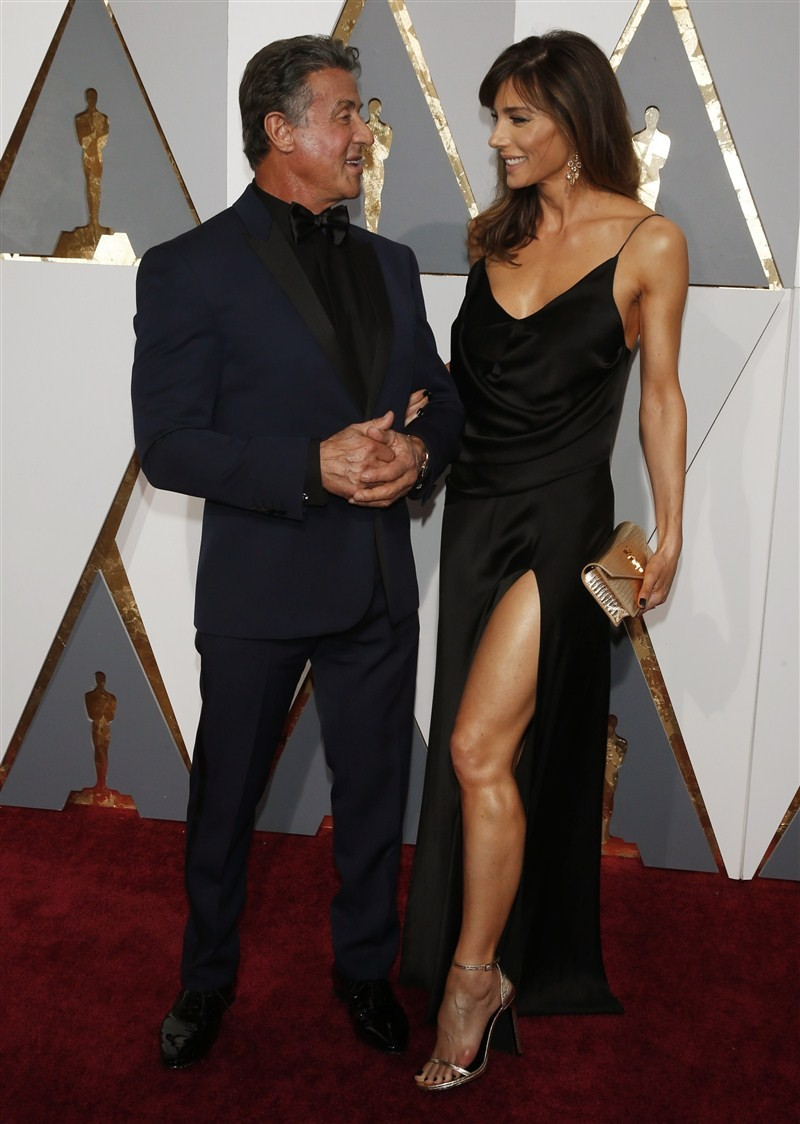 Celebrity Couples,Celebrity Couples at Oscars 2016,Couples at Oscars 2016,Oscars 2016,Oscars awards,Oscars awards 2016,oscars awards 2015,Lady Gaga,Taylor Kinney,88th Academy Awards,Kate Winslet,Steve Jobs,Christian Bale