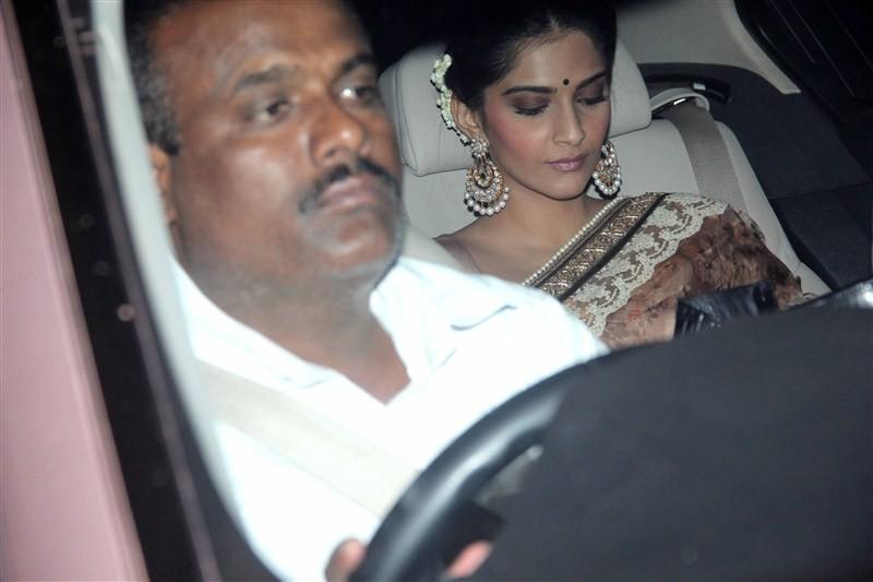 Hrithik Roshan,Kangana Ranaut,Sonam Kapoor,Anushka Sharma,DR. Aggarwal's Daughter Wedding,celebs at DR. Aggarwal's Daughter Wedding,Aggarwal Daughter Wedding,Aggarwal Daughter marriage