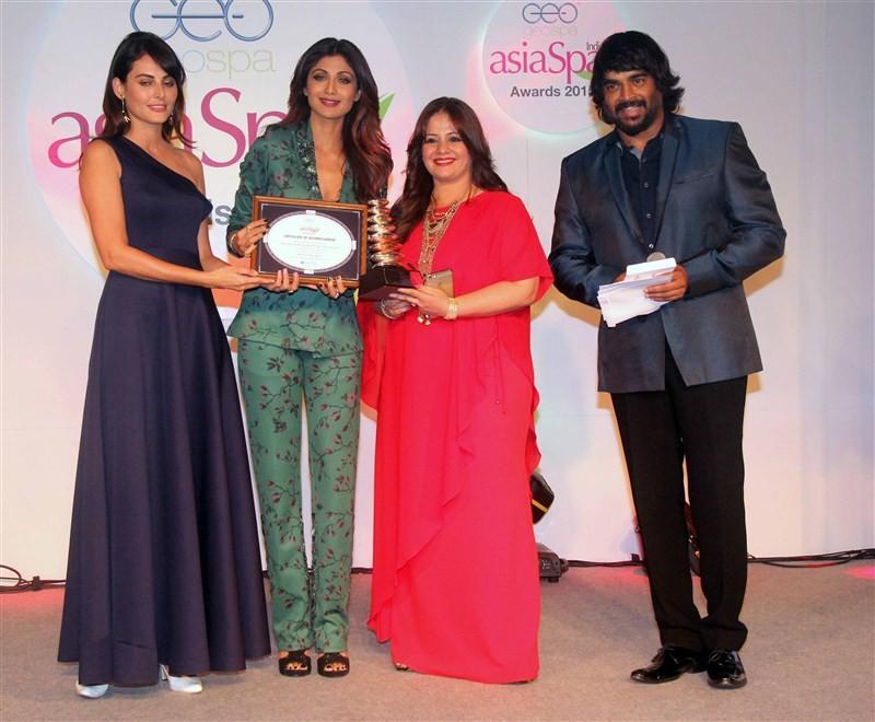 Geospa Asiaspa Awards,Asiaspa Awards,9th GeoSpa asiaSpa India Awards,9th GeoSpa asiaSpa,Shilpa Shetty,Bipasha Basu,Sushmita Sen,Madhavan,Randeep Hooda,Parineeta Sethi,Rekha,Tiger Shroff,Athiya Shetty,Upen Patel,Mandana Karimi