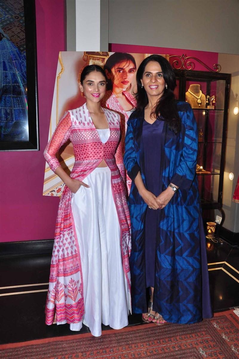 Anita Dongre,Anita Dongre store launch,Aditi Rao Hydari,Leading designer Anita Dongre,designer Anita Dongre,Kemps corner,bridal collection,Love Notes